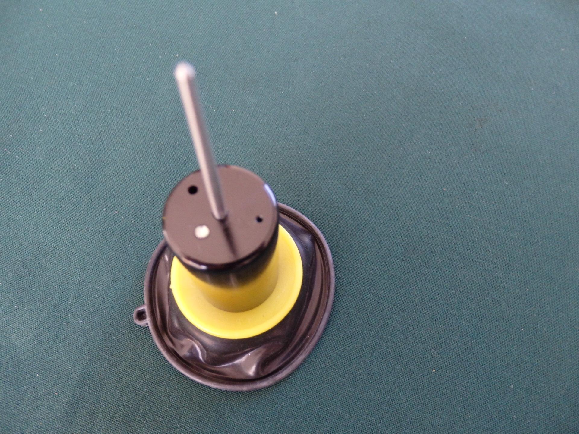 GILERA RUNNER Karburátor membran,Runner 125,180,200(Walbro karburátor) - 18300 Ft