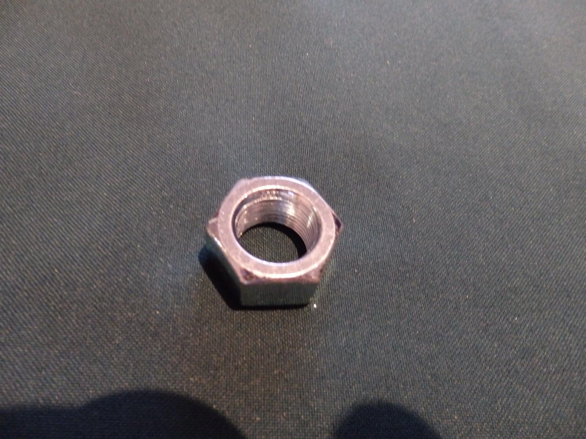PIAGGIO UNIVERZÁLIS Keréktengely anya hátso (16x1.25mm) - 490 Ft